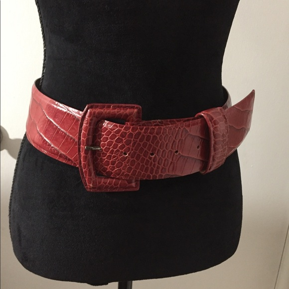 6343c3b1a3d NEW Max Mara red croc leather belt M L